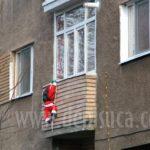 Moş Crăciun spânzurat se întoarce