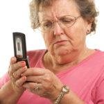 batranica cu telefon mobil