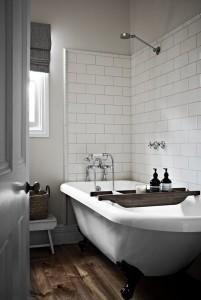 baie cu cadă veche