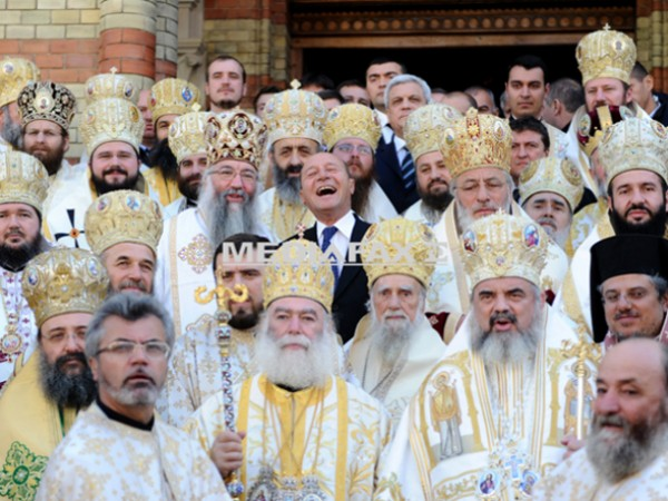 Băsescu & preoţi