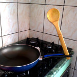 Lunea mâinilor îndemânatice 1: unde punem lingura de lemn atunci când gătim?