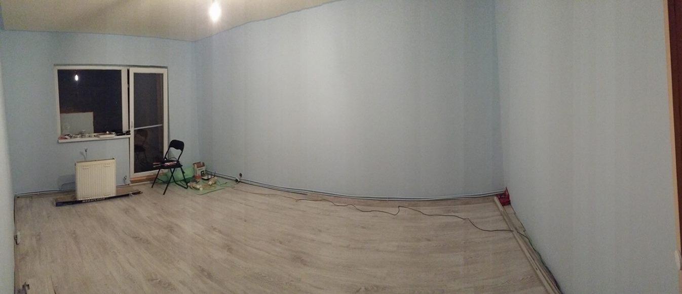 camera goală, după zugrăvit şi cu parchetul nou