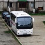 Să vii cu autobuzul acasă și să-l parchezi în curtea blocului: asta înseamnă să fii mafiot!