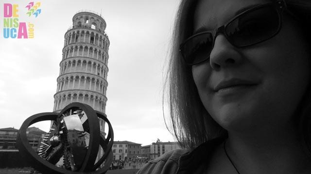 eu cu turnul din pisa