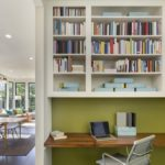 Care-i faza cu cărțile din birouri?