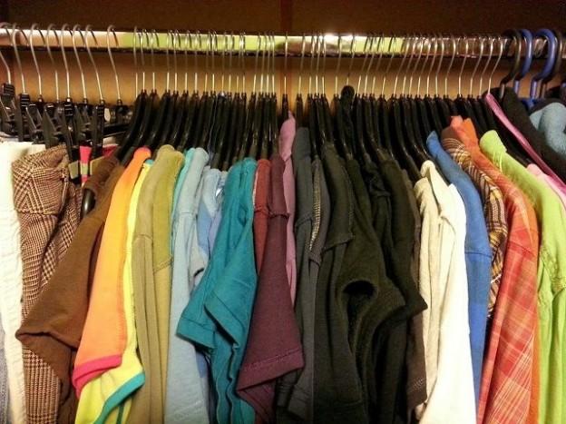 haine-sortate-pe-culori-compressor