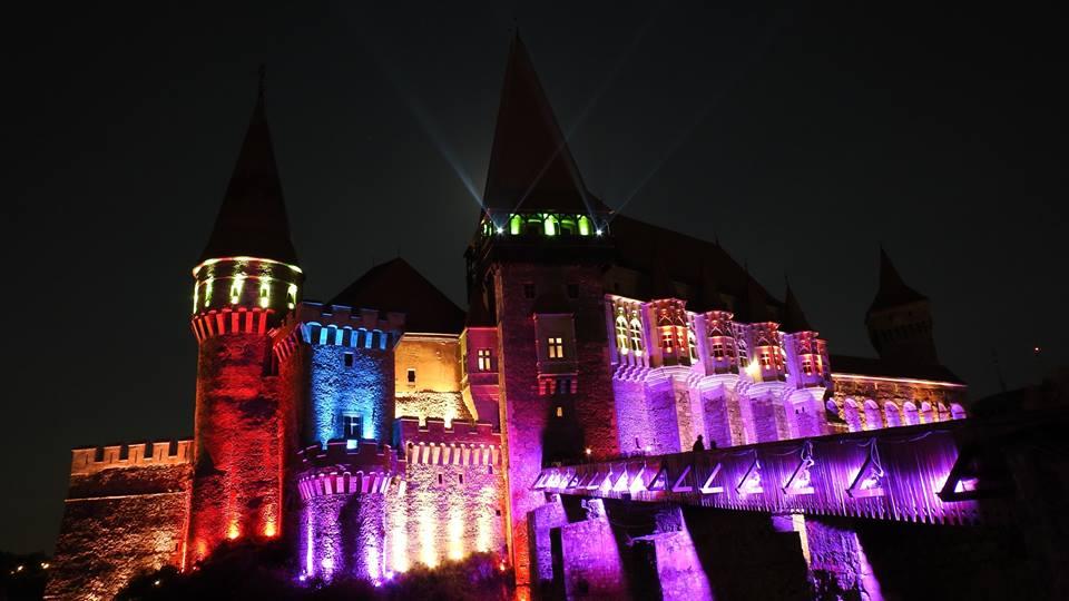 castelul corvinilor colorat