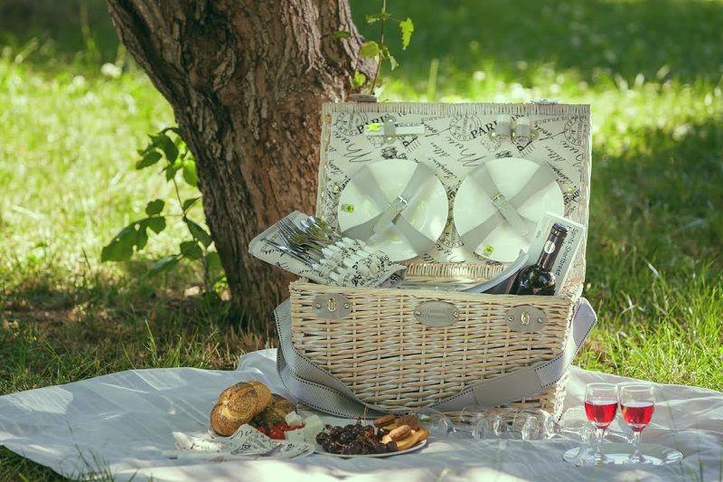 picnic elegant