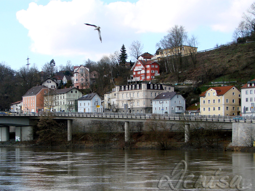 houses-by-the-danube